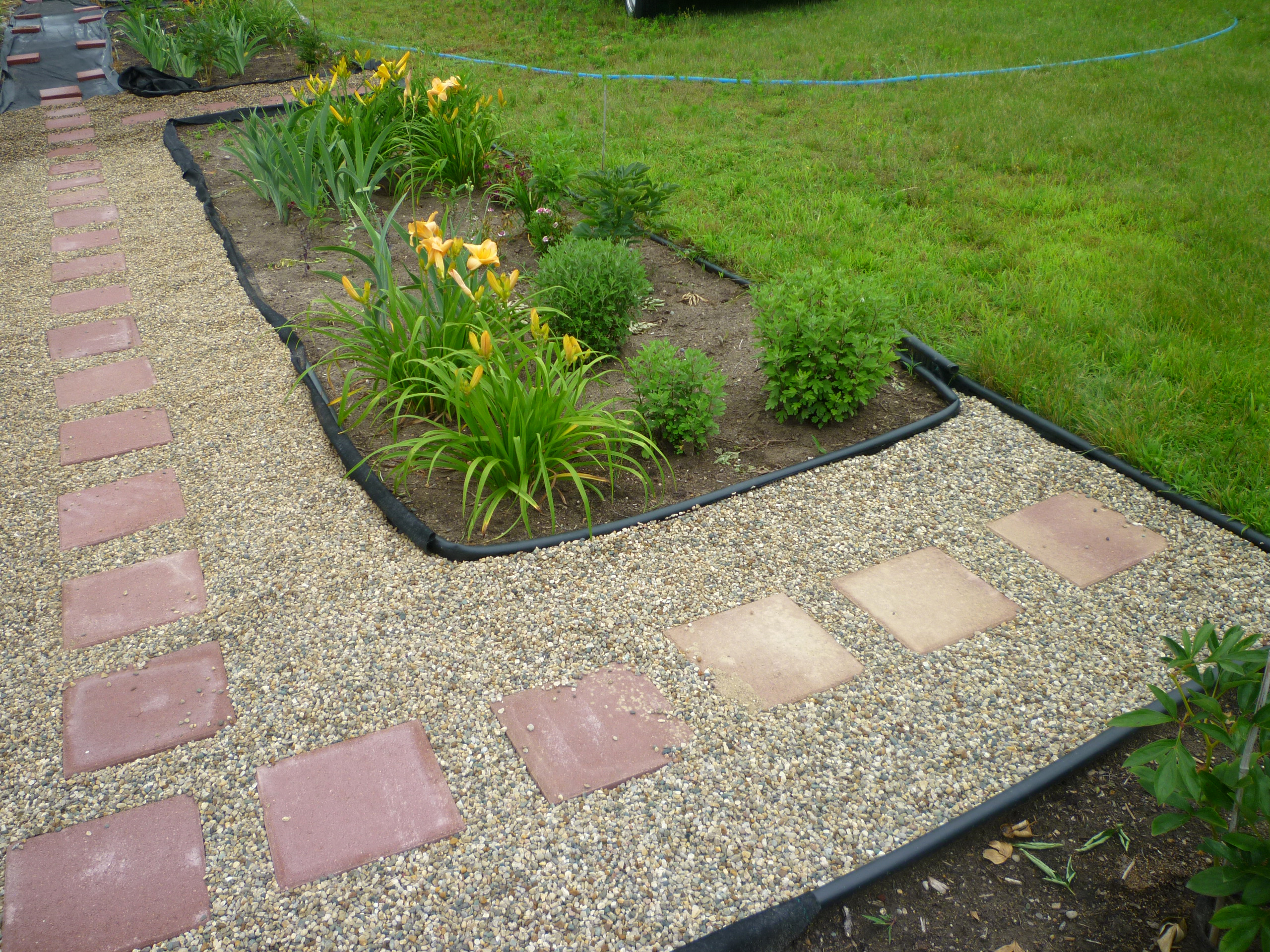 Garden Pathways With Stepping Stones And Gravel